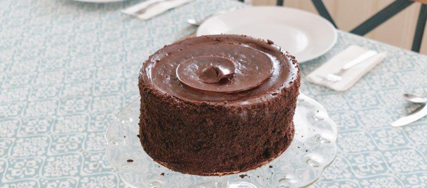 Nie musisz być mistrzem cukiernictwa! To ciasto czekoladowe przygotuje każdy