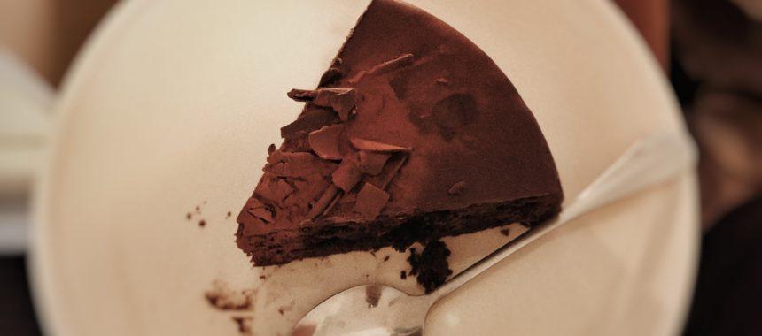 Piernikowe brownies – idealny deser na chłodne popołudnia